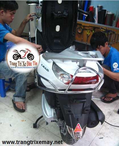Khung inox bảo vệ xe Lead 125