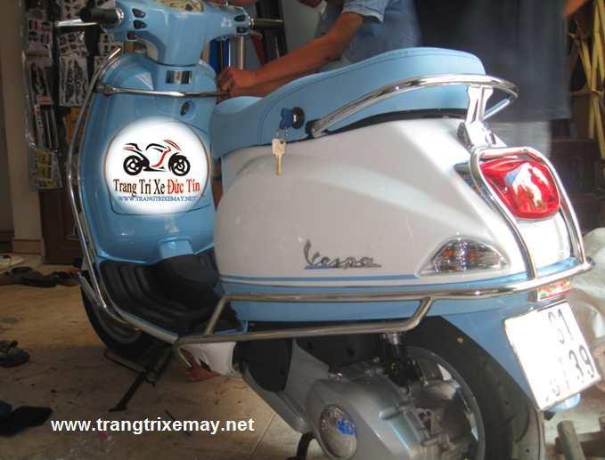 Khung inox bảo vệ xe Vespa 3vie